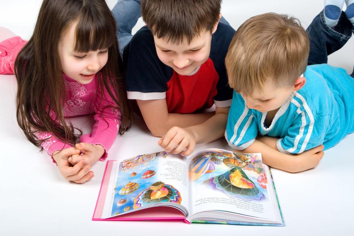 """Clubul de lectura """"Prietenii bibliotecii"""""""
